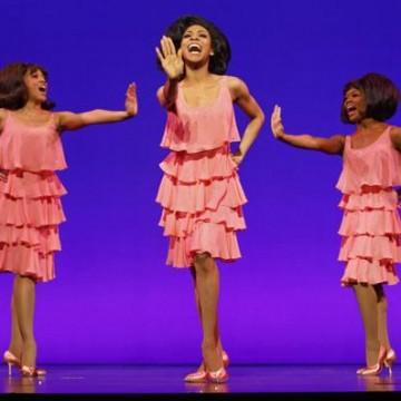Allison Semmes (center) as Diana Ross in Motown The Musical